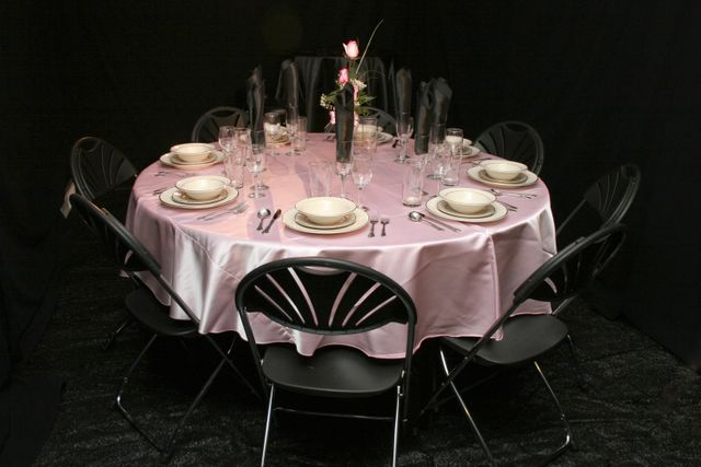 8 person placesetting